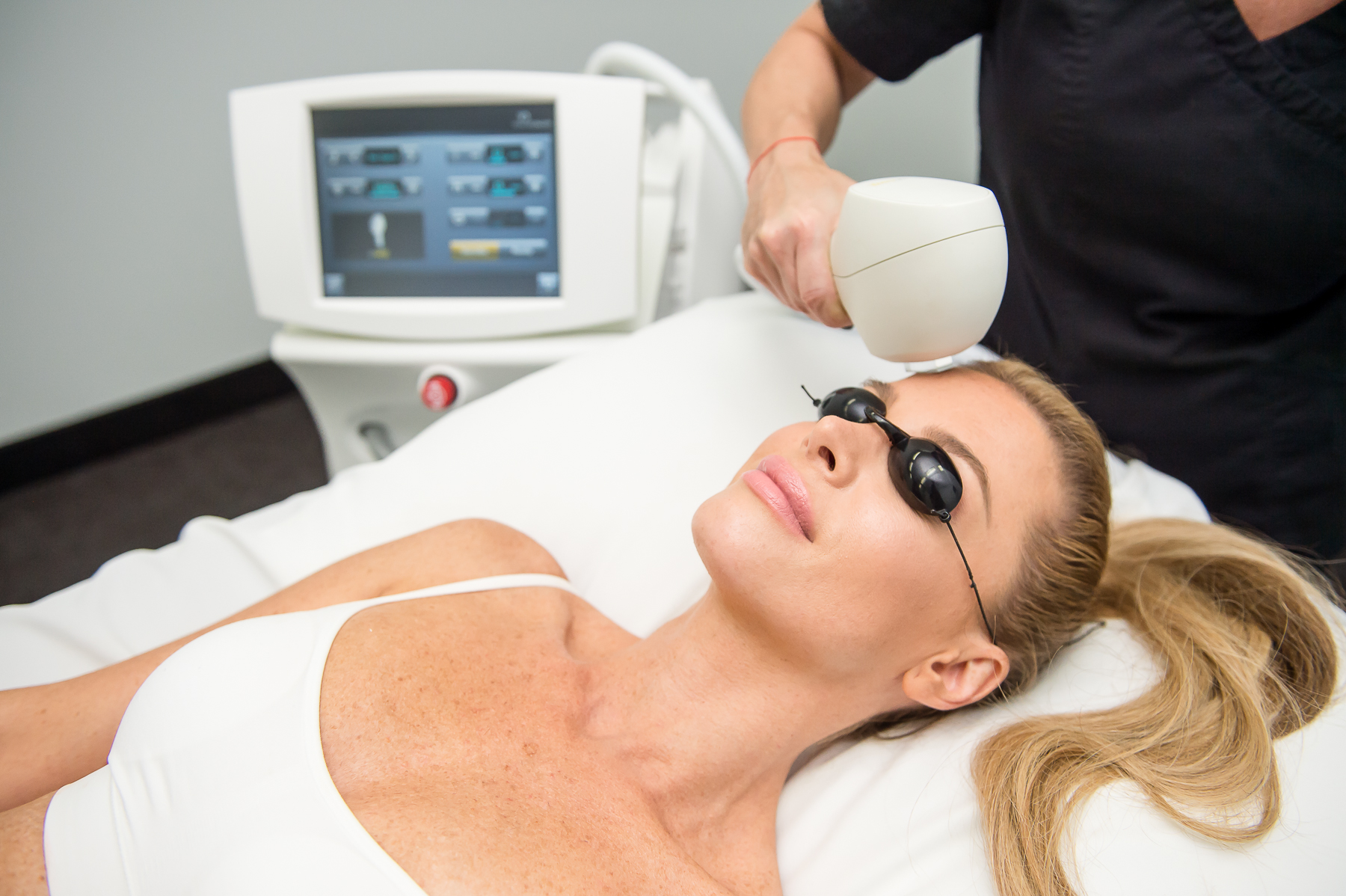 INTENSE PULSE LIGHT FOR SKIN REJUVENATION